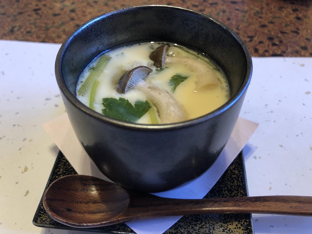 鮨幸のお寿司ランチの茶碗蒸し