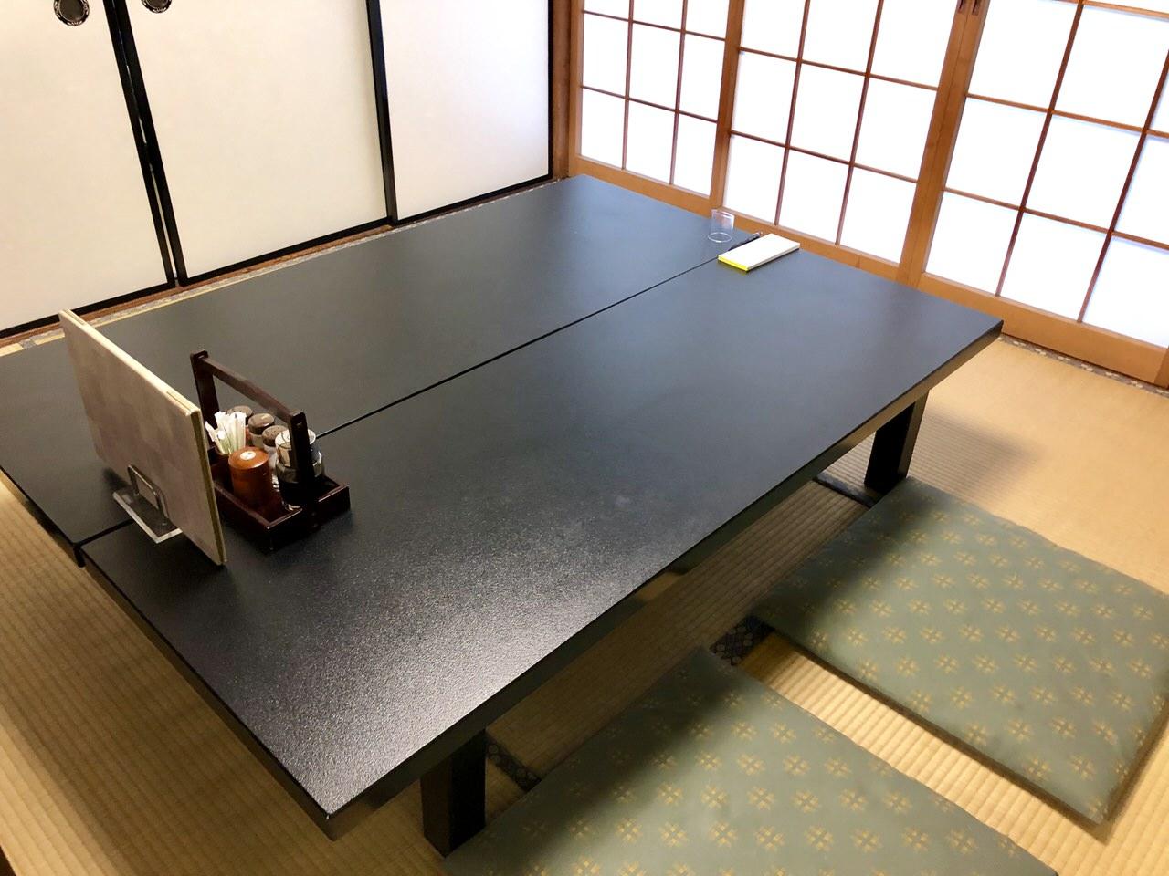 恵那市岩村の割烹かわいの会席個室のテーブル