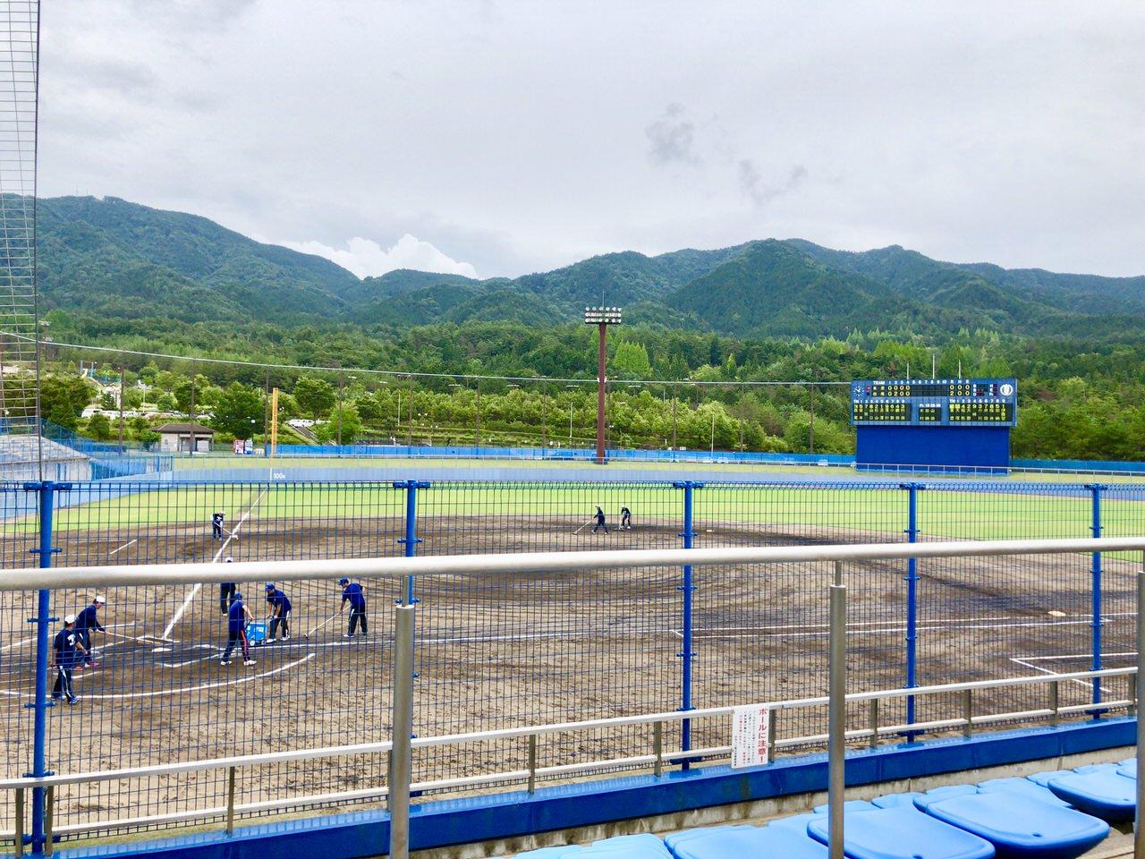 中津川公園野球場のスタジアム