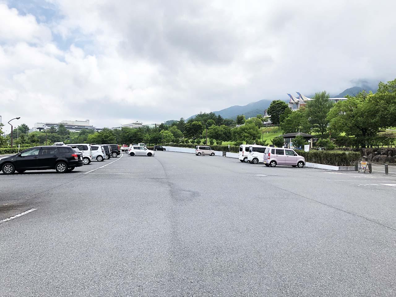 中津川公園の第2駐車場の中