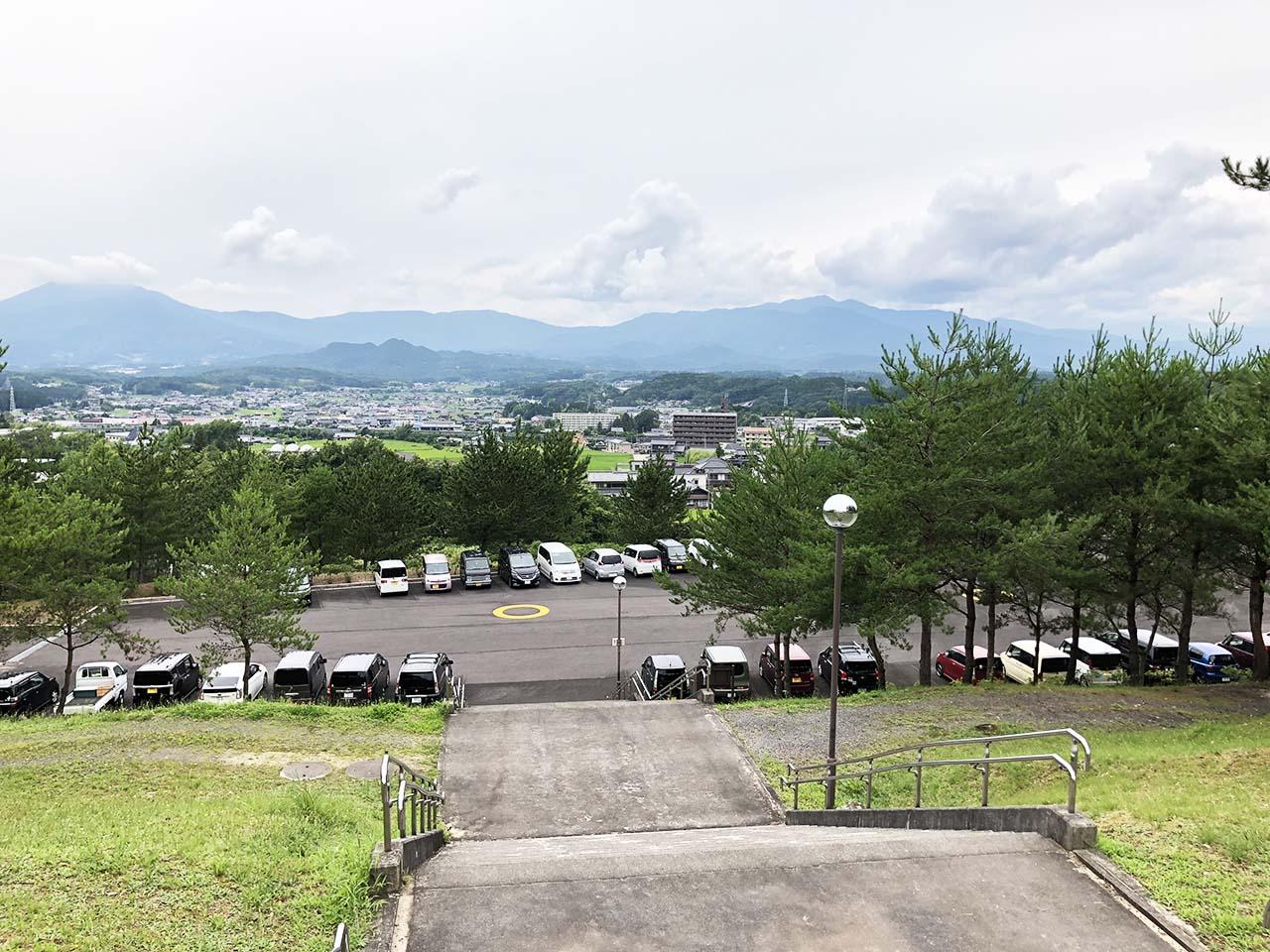 子供と遊ぶ公園中津川市の中津川公園の第5駐車場