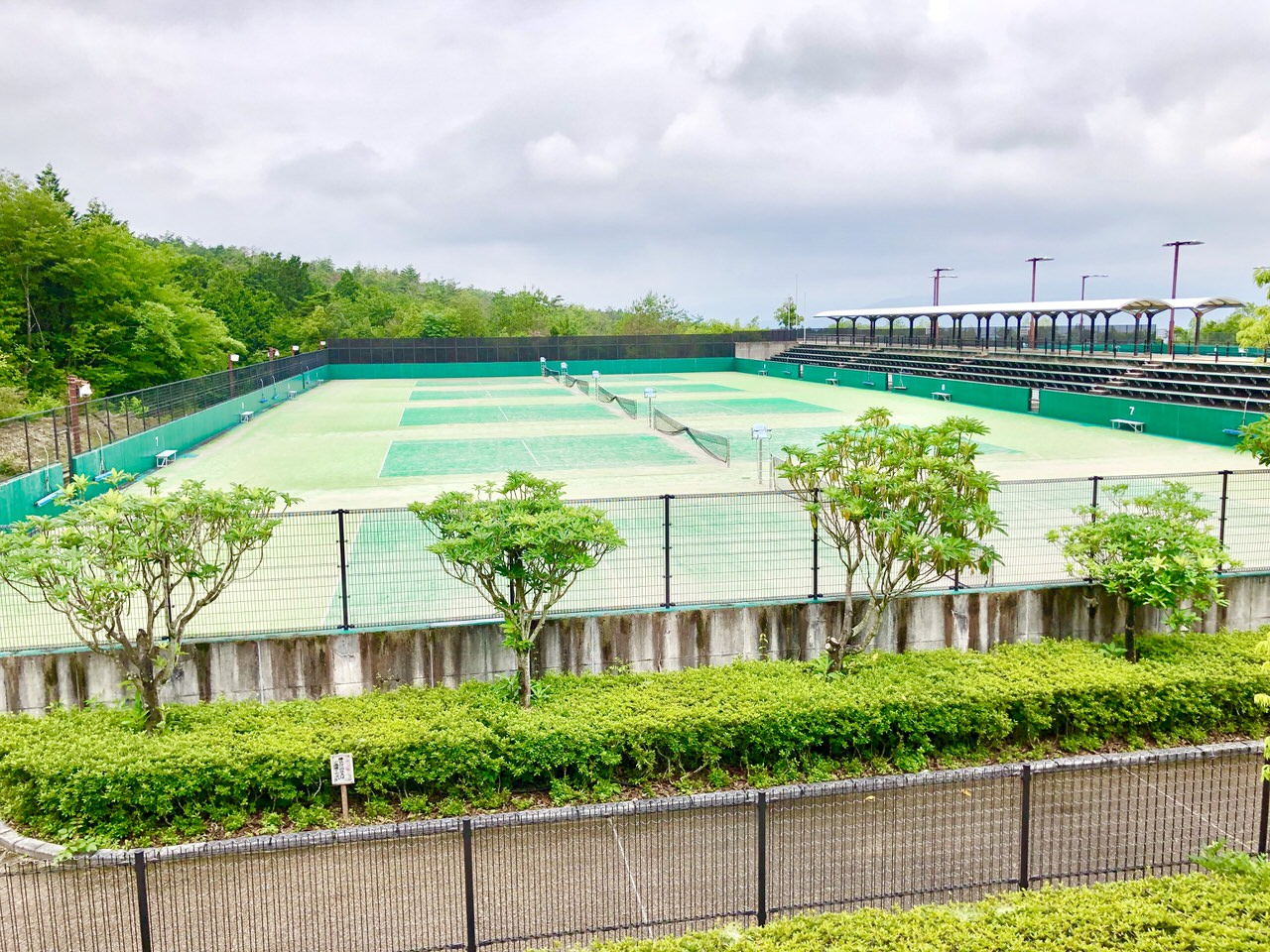 中津川公園のテニスコート