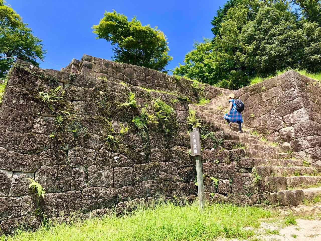 中津川の遺跡みたいな苗木城跡
