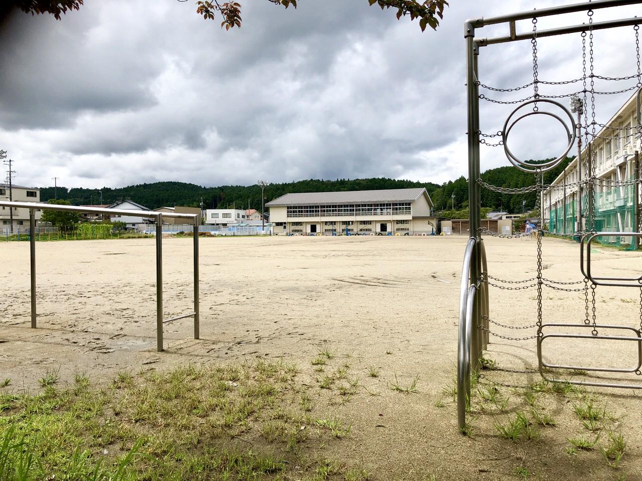 みのじのみのり祭り長島小学校駐車場