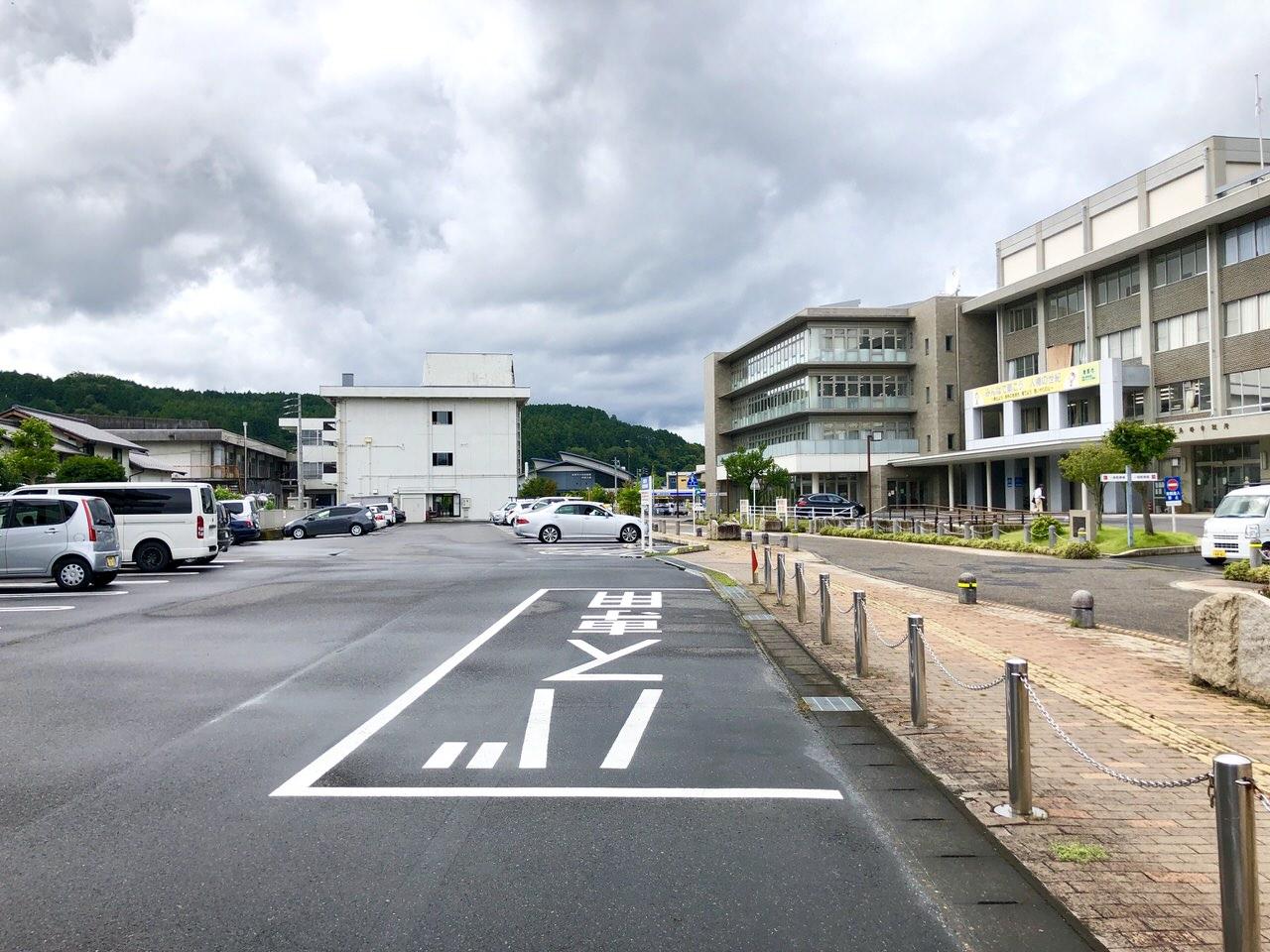 みのじのみのり祭りの市役所駐車場