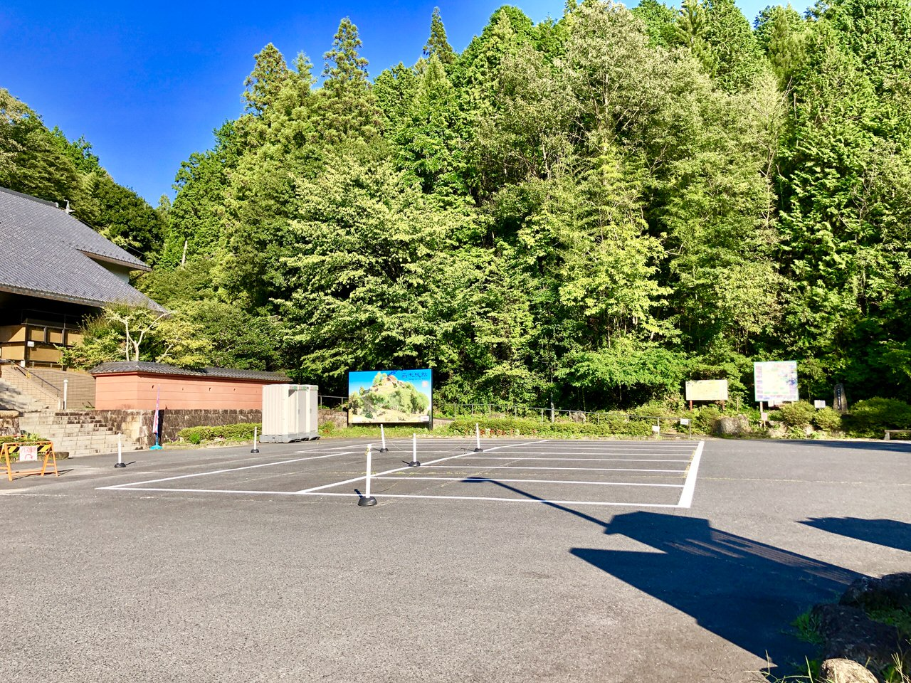 遠山史料館の駐車場