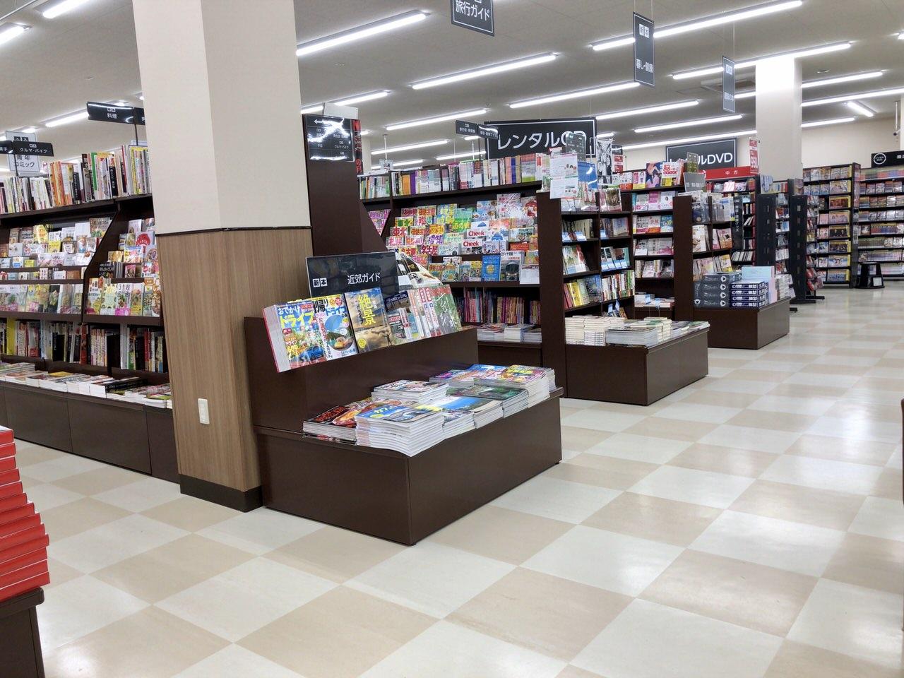 三洋堂書店アクロスプラザ恵那の内観